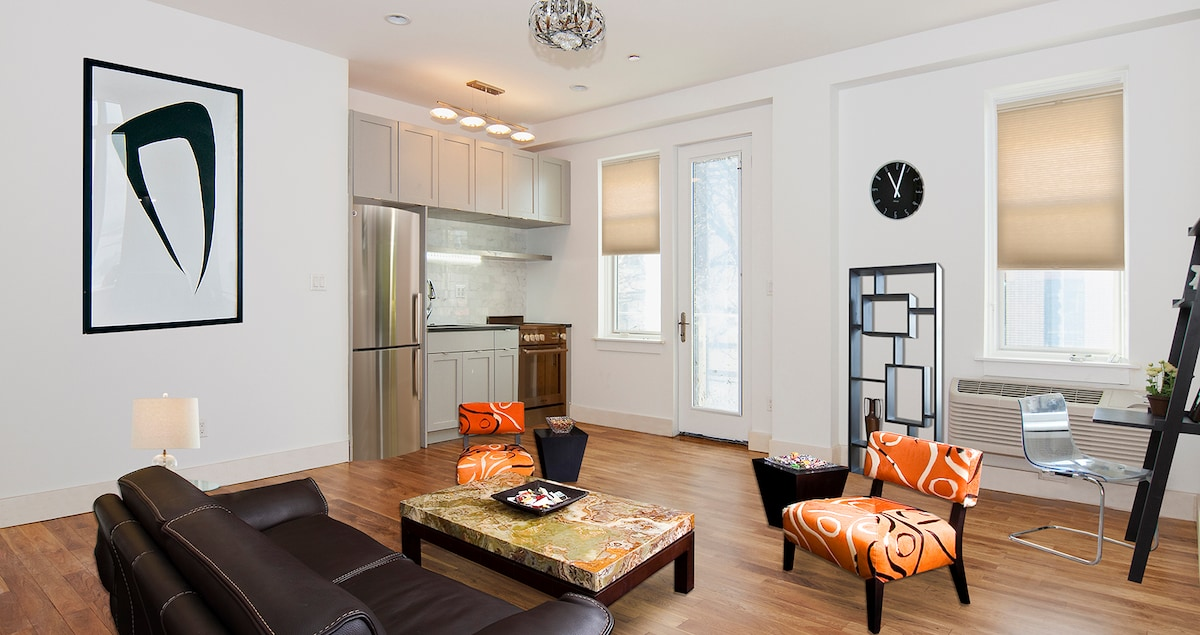 BUDGET LUXURY C IN A CHARMING AREA!