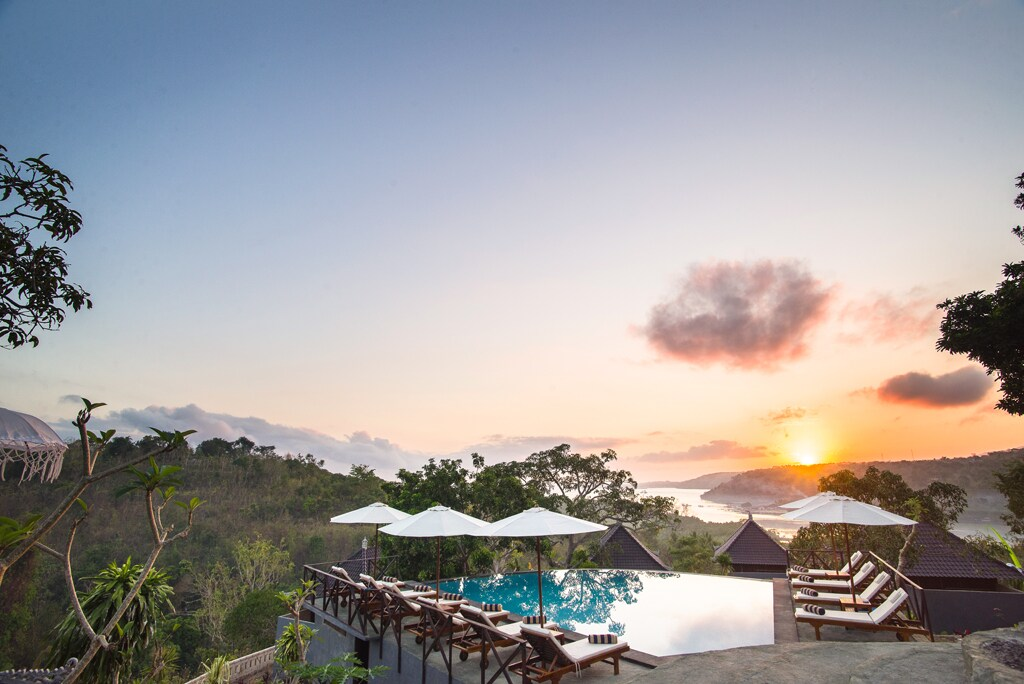 Poh Manis-room+sunrise+ocean+lagoon