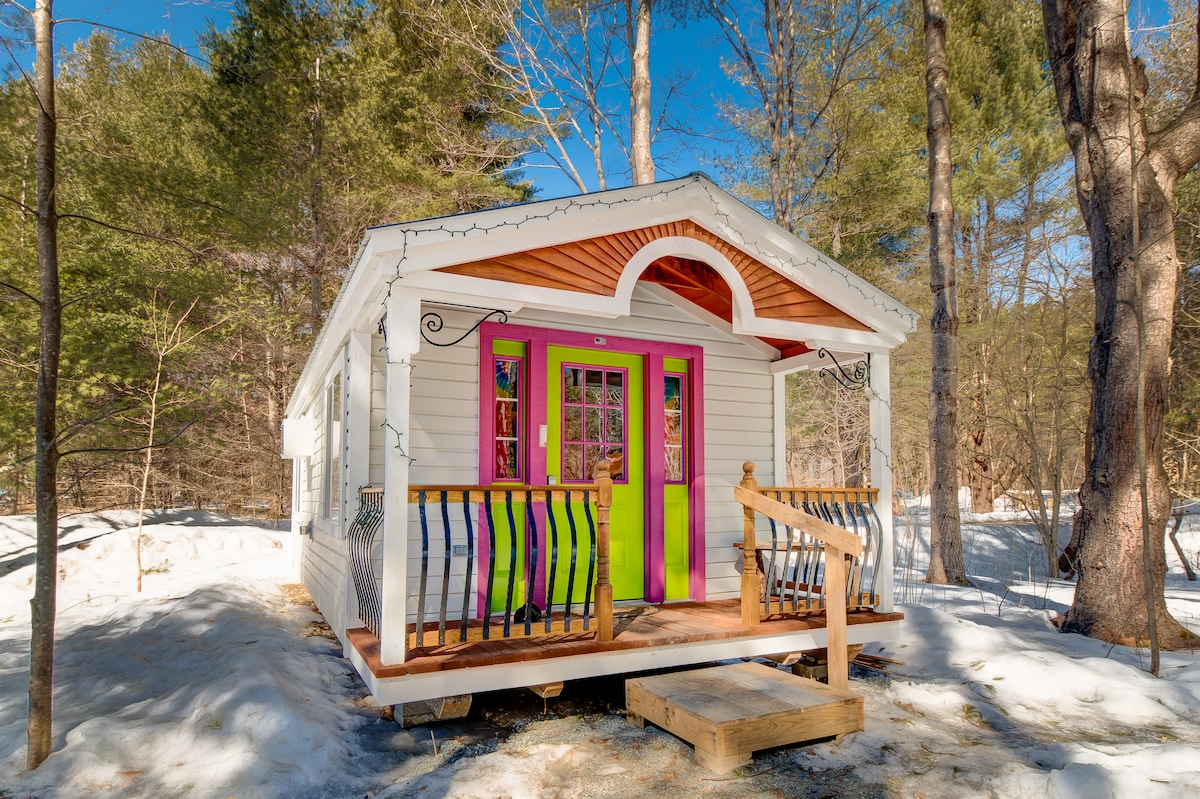 Apple Blossom Cottage: A Tiny House