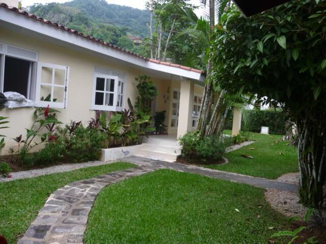 Deliciosa casa 50 metros da Praia