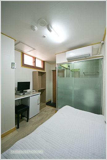 Single Studio at Gangnamguchung stn
