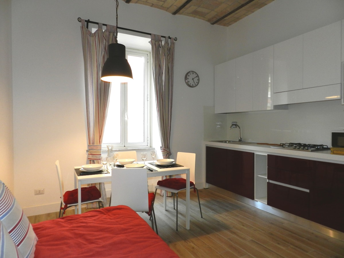 New & comfy flat on the Appian Way