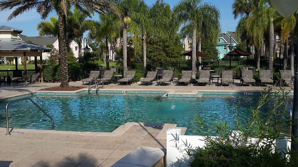 charming condo minutes from Disney