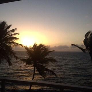 Oceanfront Caribbean Paradise!