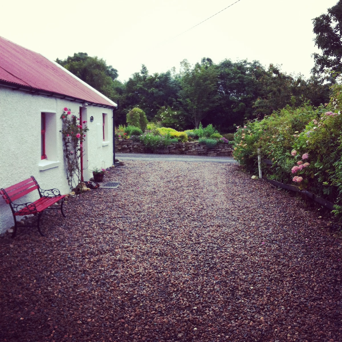 front of the cottage with 2 parking spaces