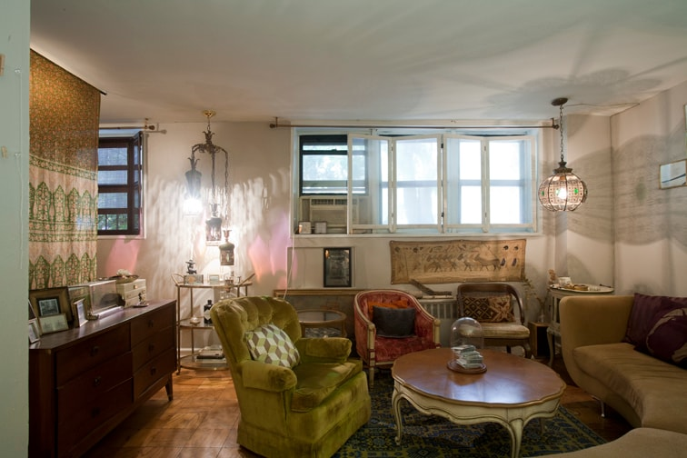 Private Vintage L Shaped Studio