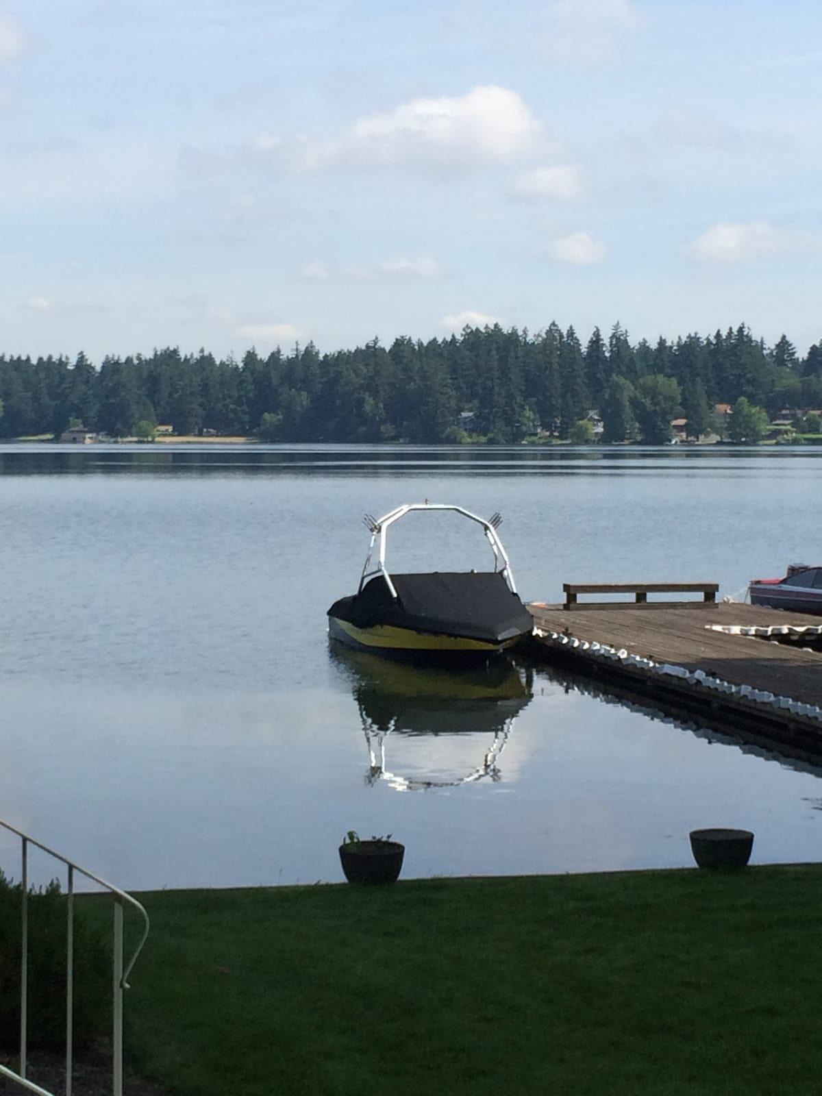 Lakefront condo on Spanaway Lake