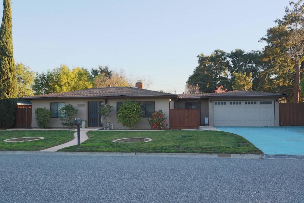 Cozy Saratoga Ranch Style Home