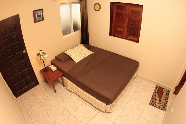 Ensuite Queen Tranquil Farmstay B&B