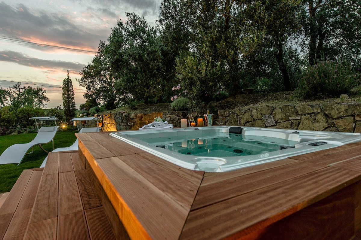 Indipendent villa with jacuzzi