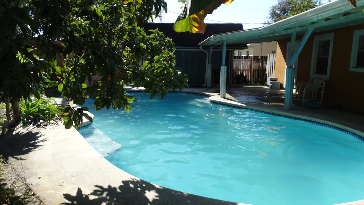 Margate house private swimming pool