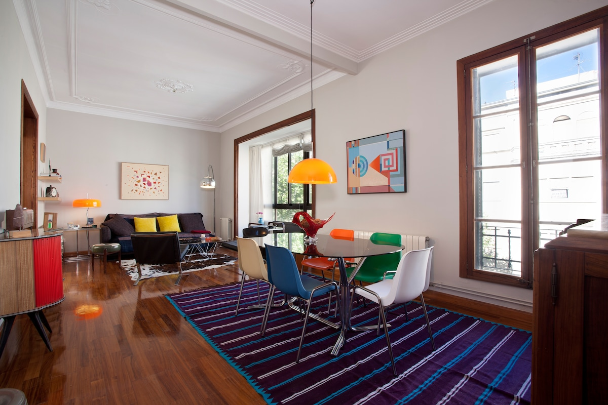 Room in a vintage apartment  Palma