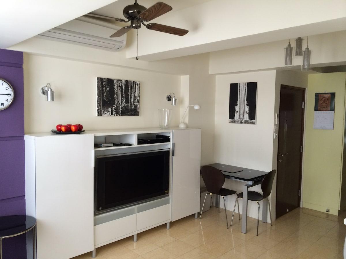 Studio + Roof Terrace - Sheung Wan