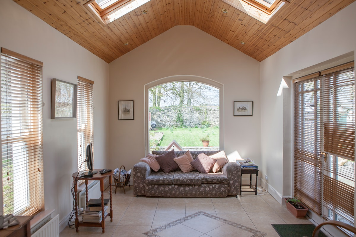 Swangate Athenry Twin bedded room