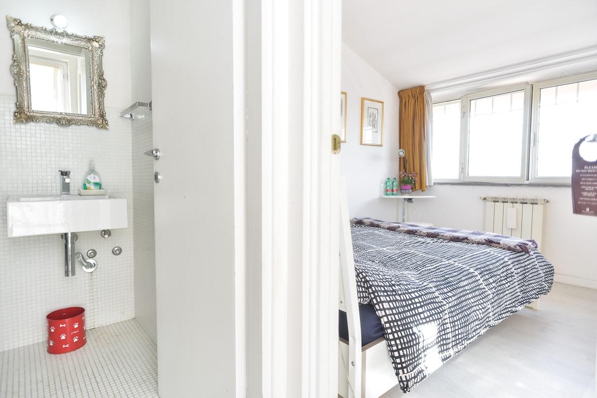 Best Room Ensuite Bath Aircon+WIFI!