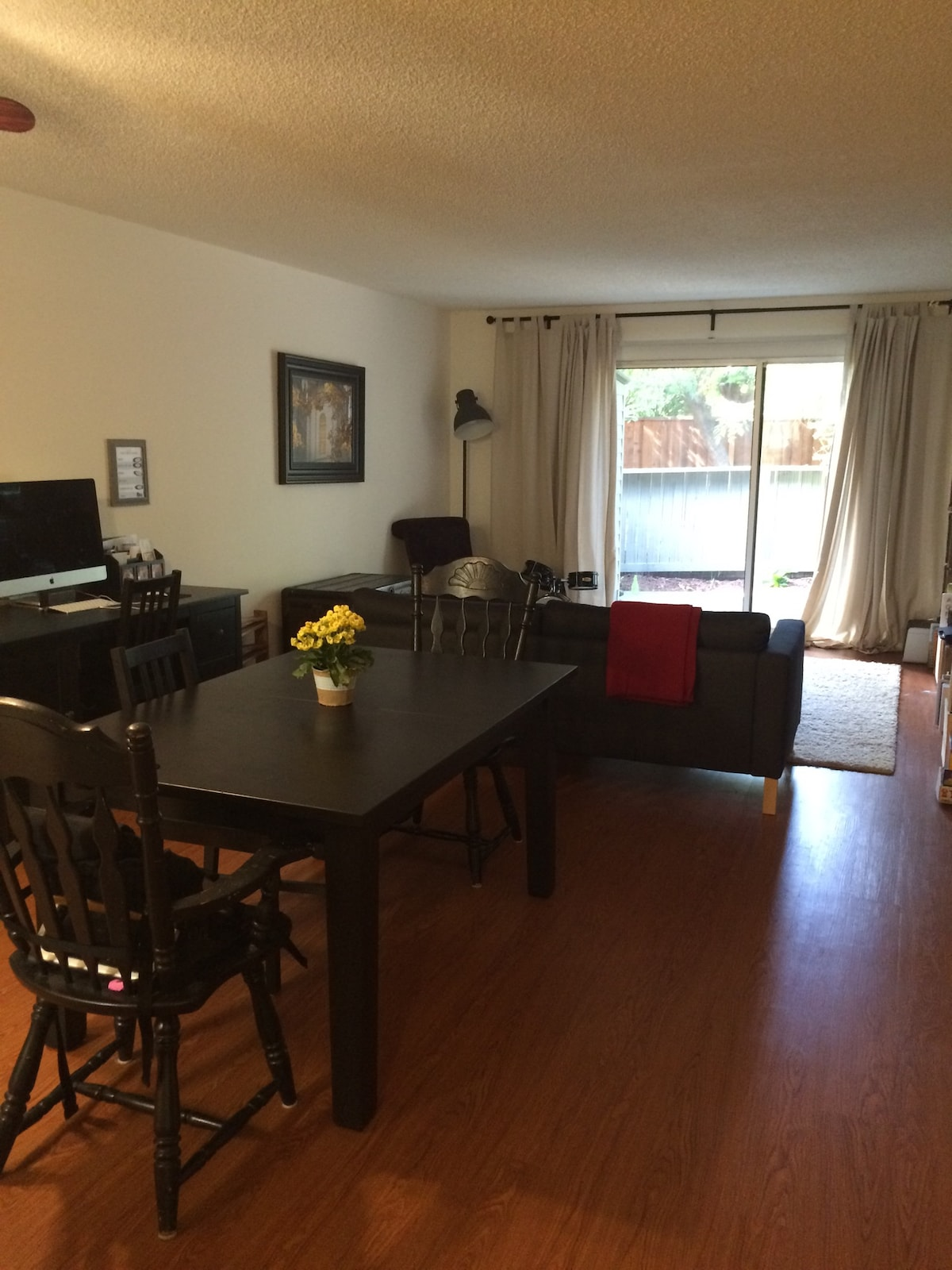Cozy 2 bdrm with large patio