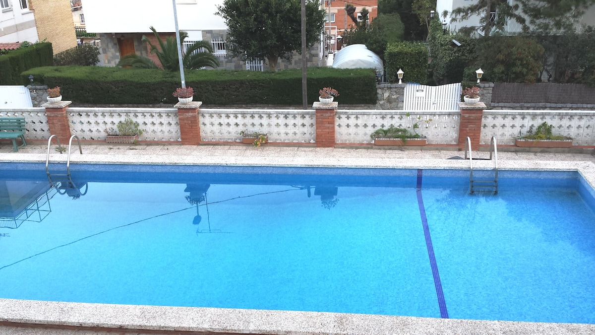 Castelldefels piscina,tenis barbaco