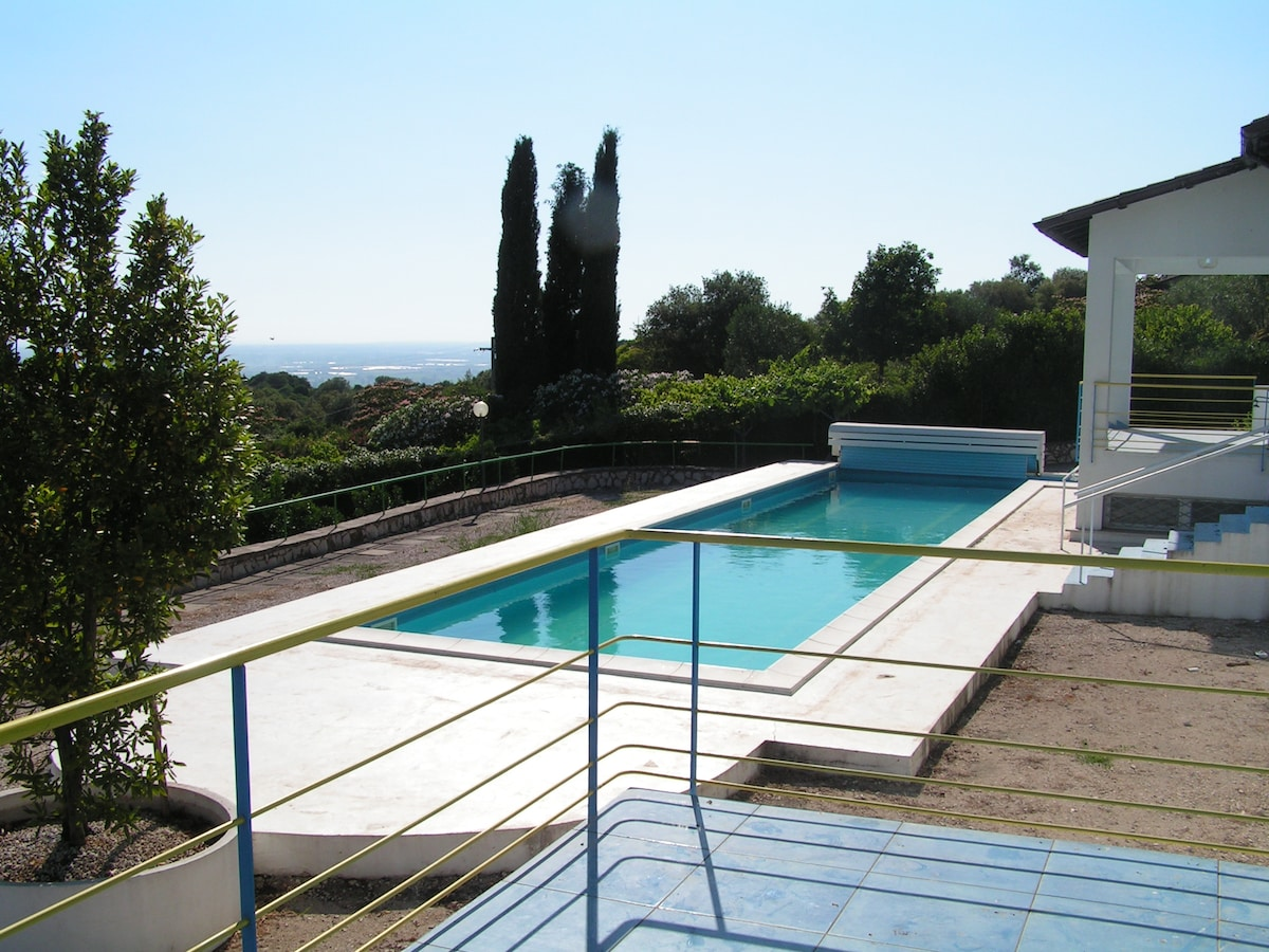 Villa with pool and stunning views