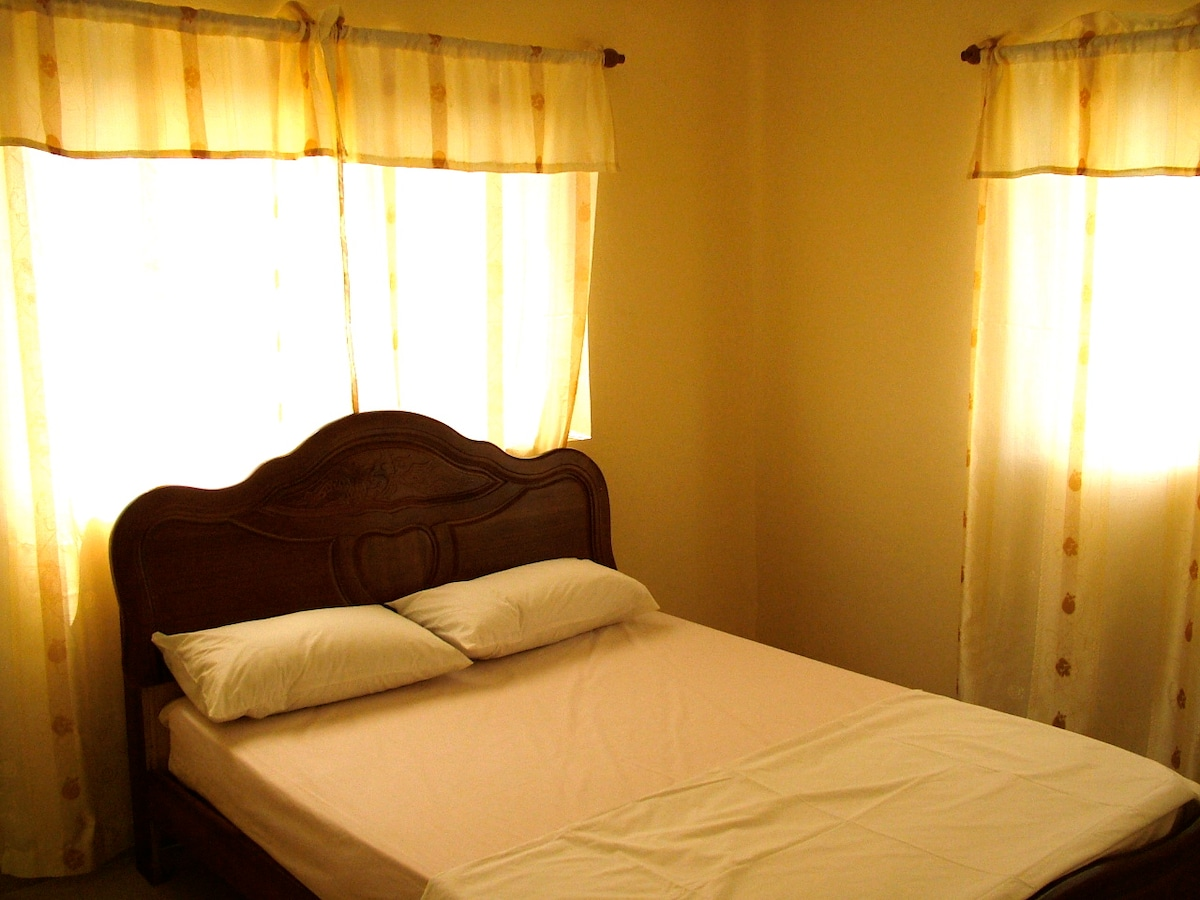Private 2 bed-One Bedroom Apartment