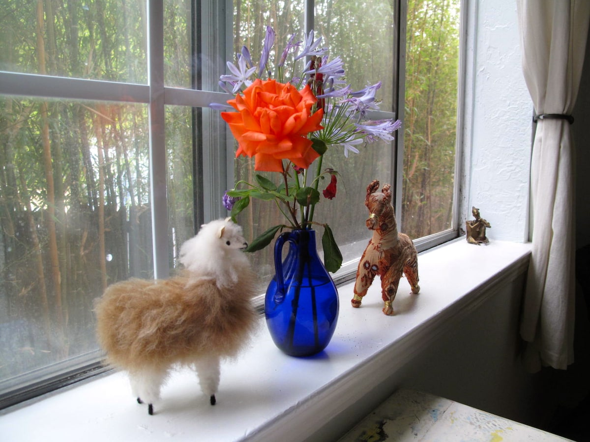 windowsill in Linnea's room