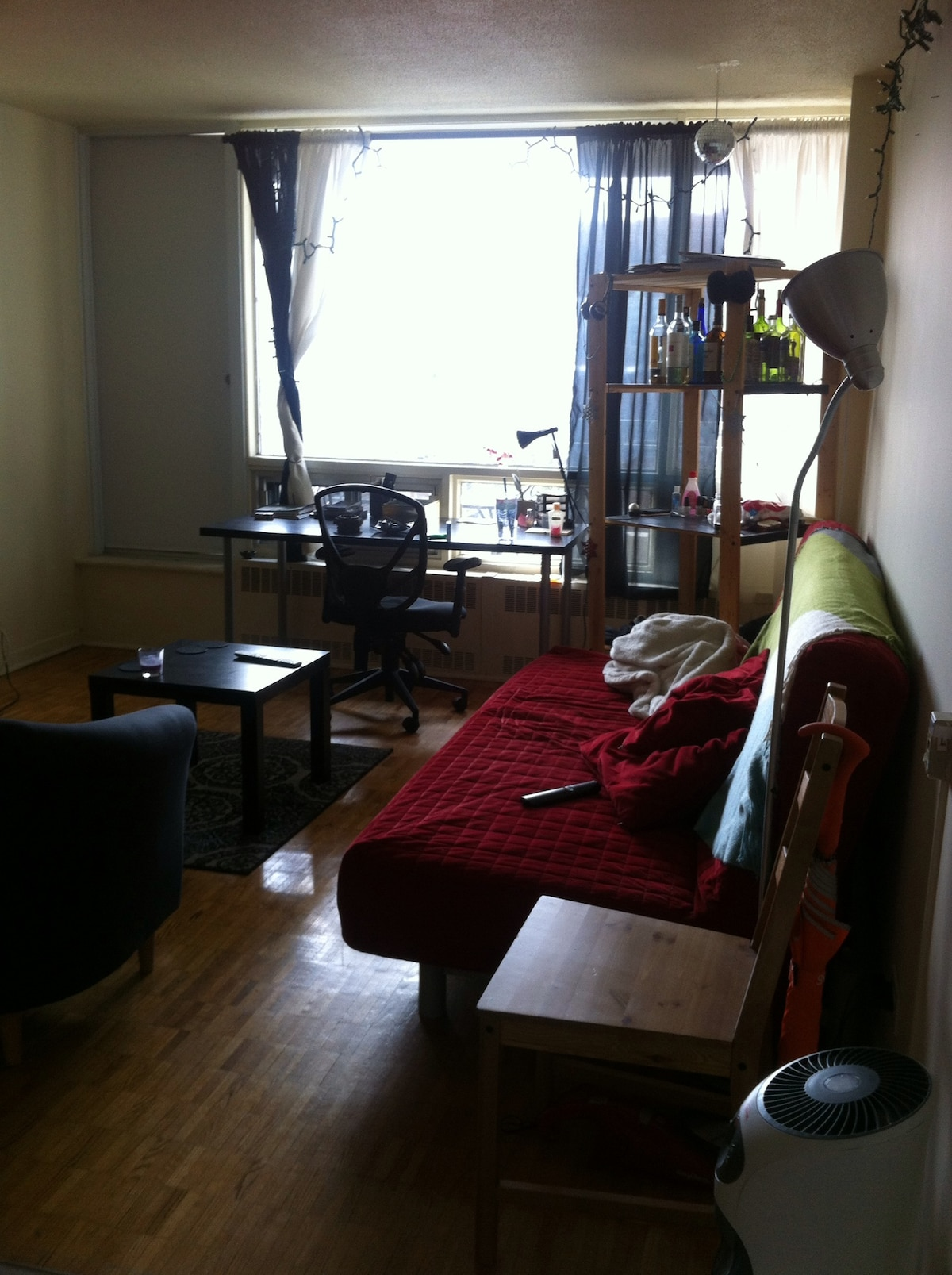 Bedroom for Rent in downtown mtl