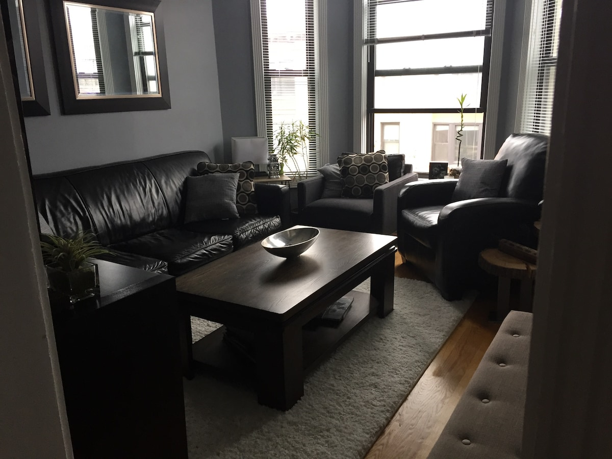 Room in Boystown / Gay Home