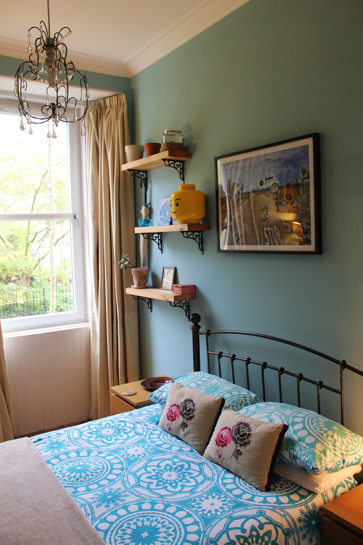 Entire flat for rent In Edinburgh