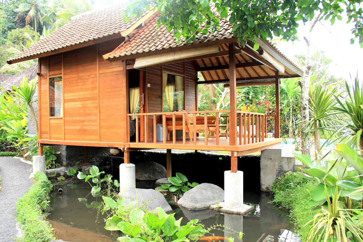 Tepi Sungai - Wooden Room