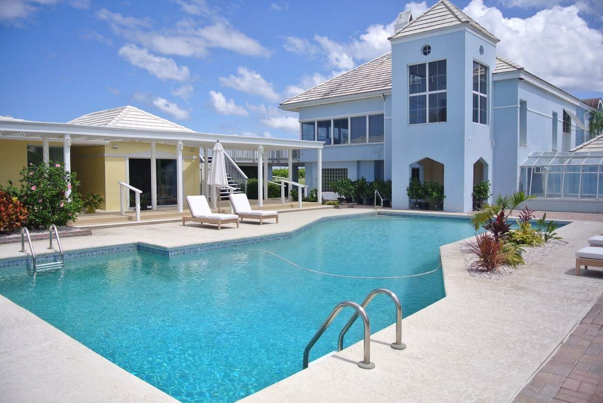 Three-Home Direct Oceanfront Estate