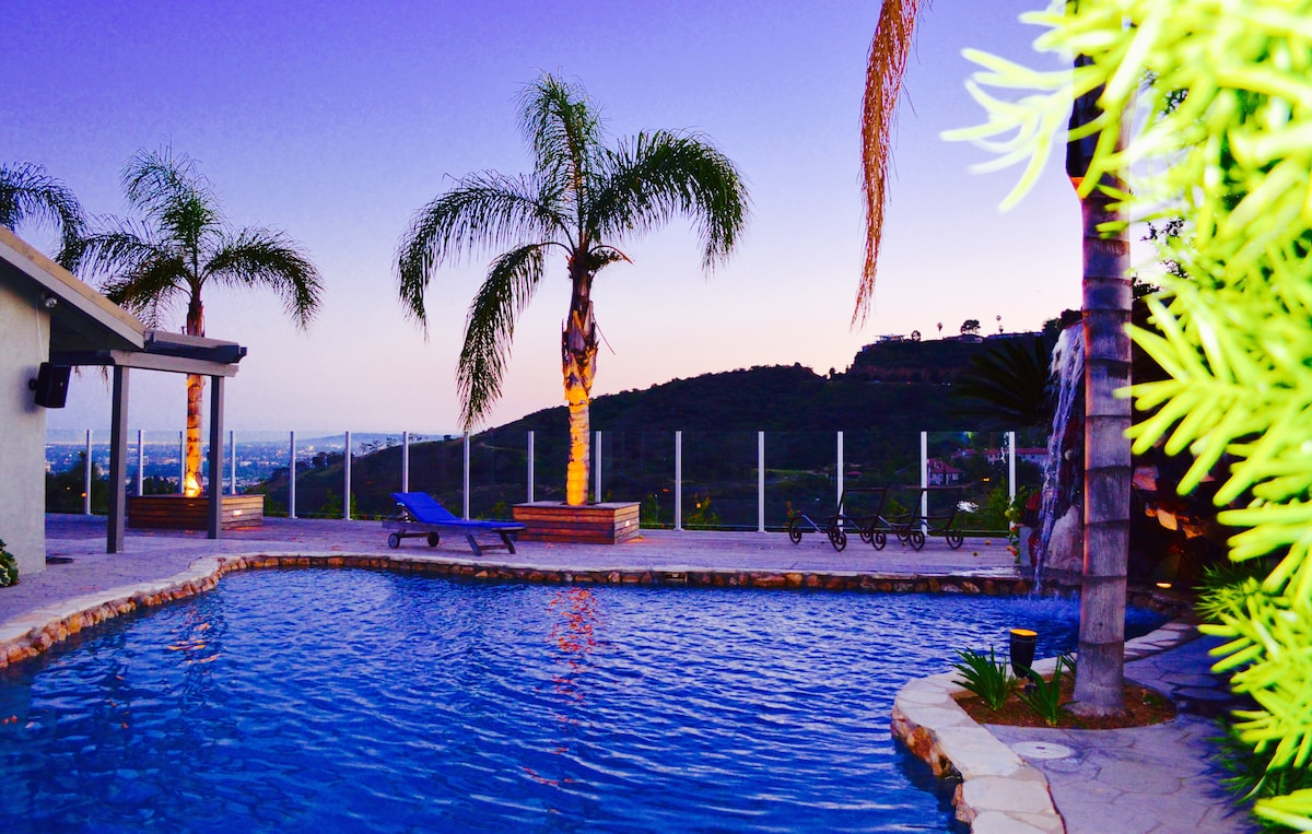 Sexy Hollywood Hills - Pool - View