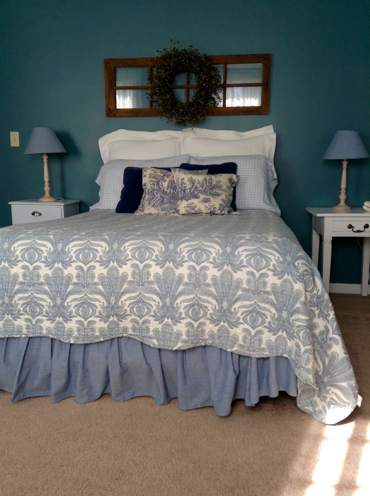 New England Charm, Cozy Blue Room