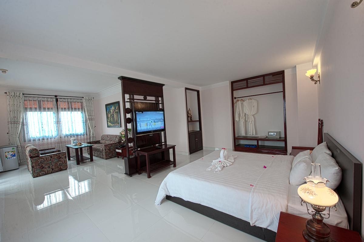 Aurora Hoian Hotel Suite River Room