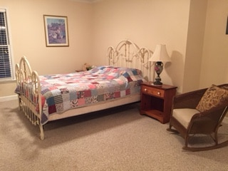 Bed/Bath, 2 mi from Pinewood
