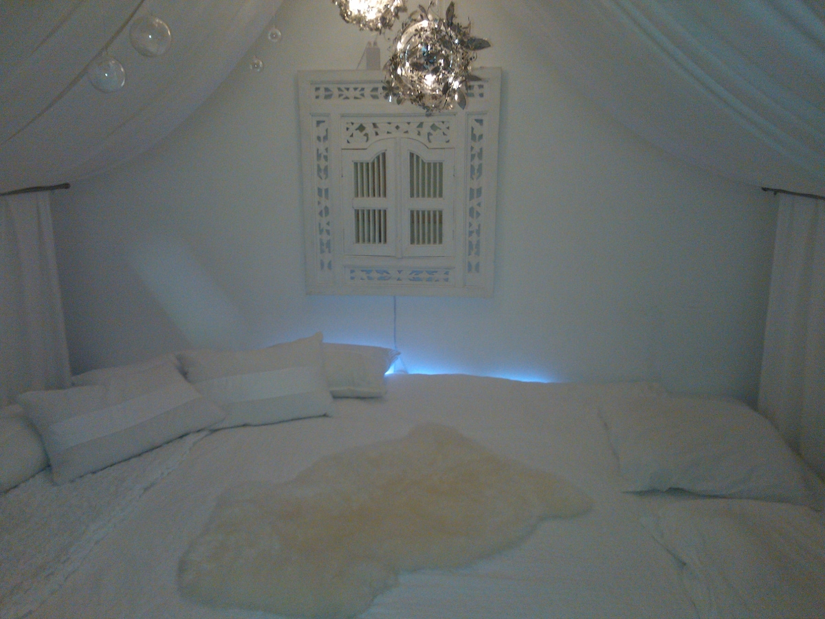 Quiet place with paradise bed