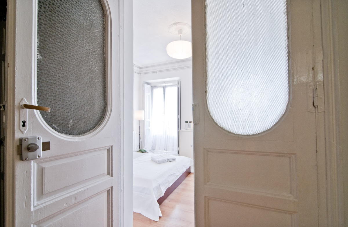 ROOMS IN THE HEART OF MADRID A