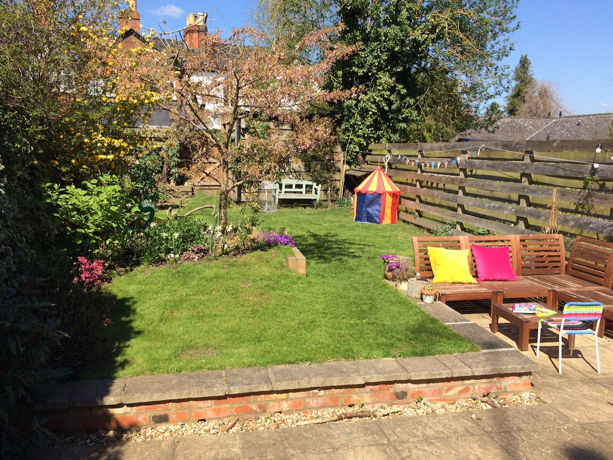 3 bed Edwardian house with garden