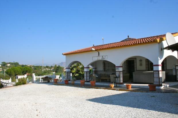 Beautiful Large Peaceful Villa