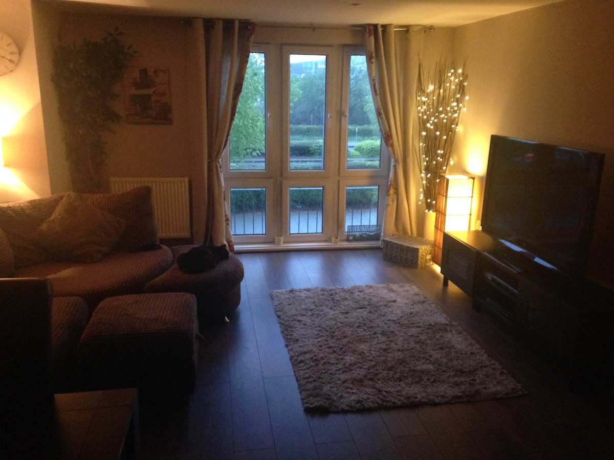 Cosy 2 Bedroom Apartment (City/Bay)