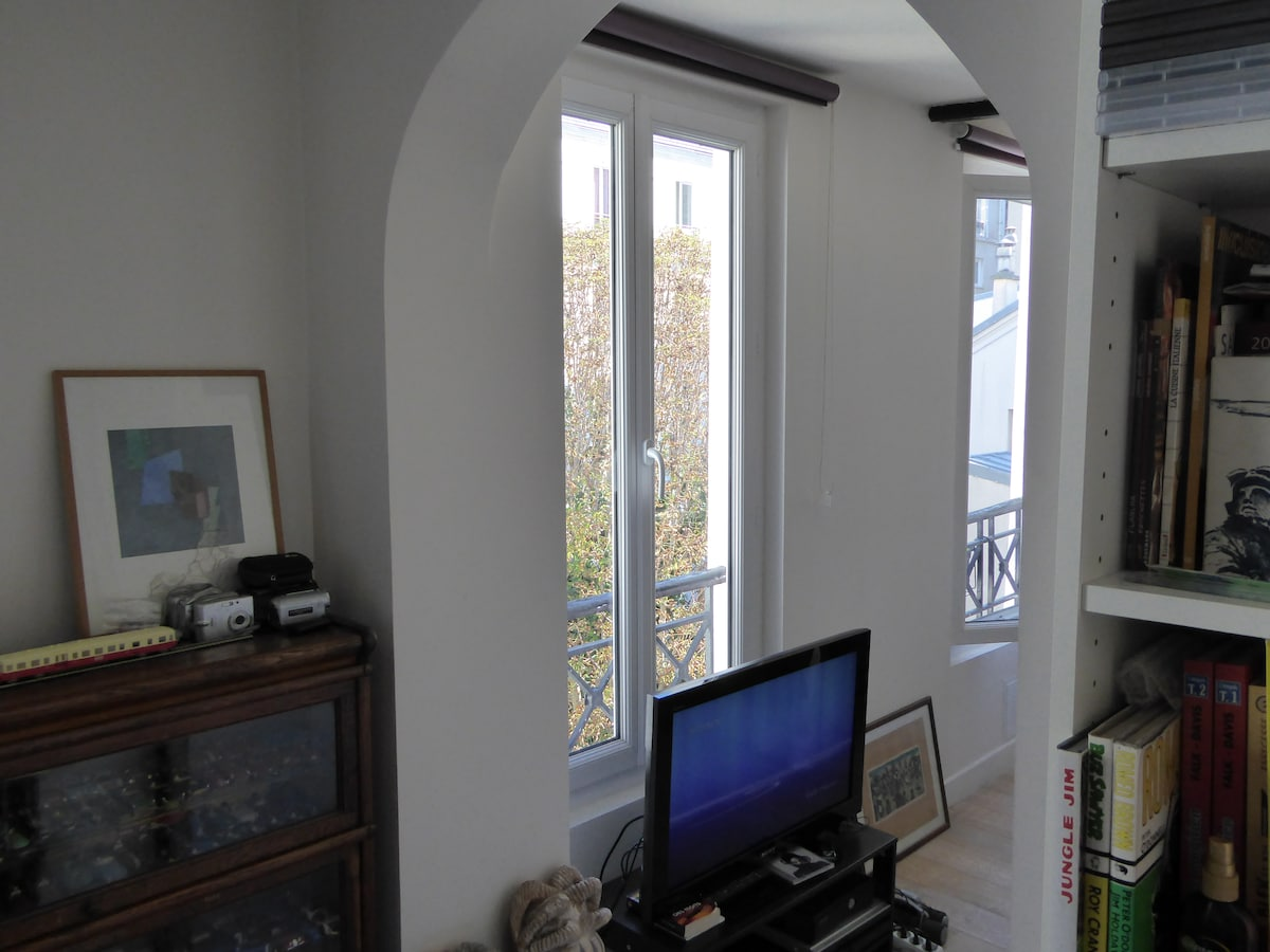 2 rooms flat recently refurbished