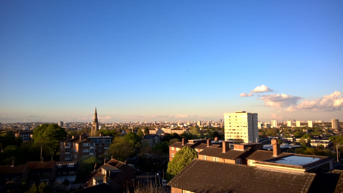 Two bedroom flat with a view