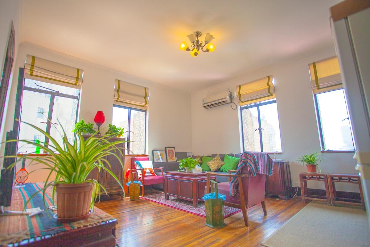 Art deco apartment in the bund