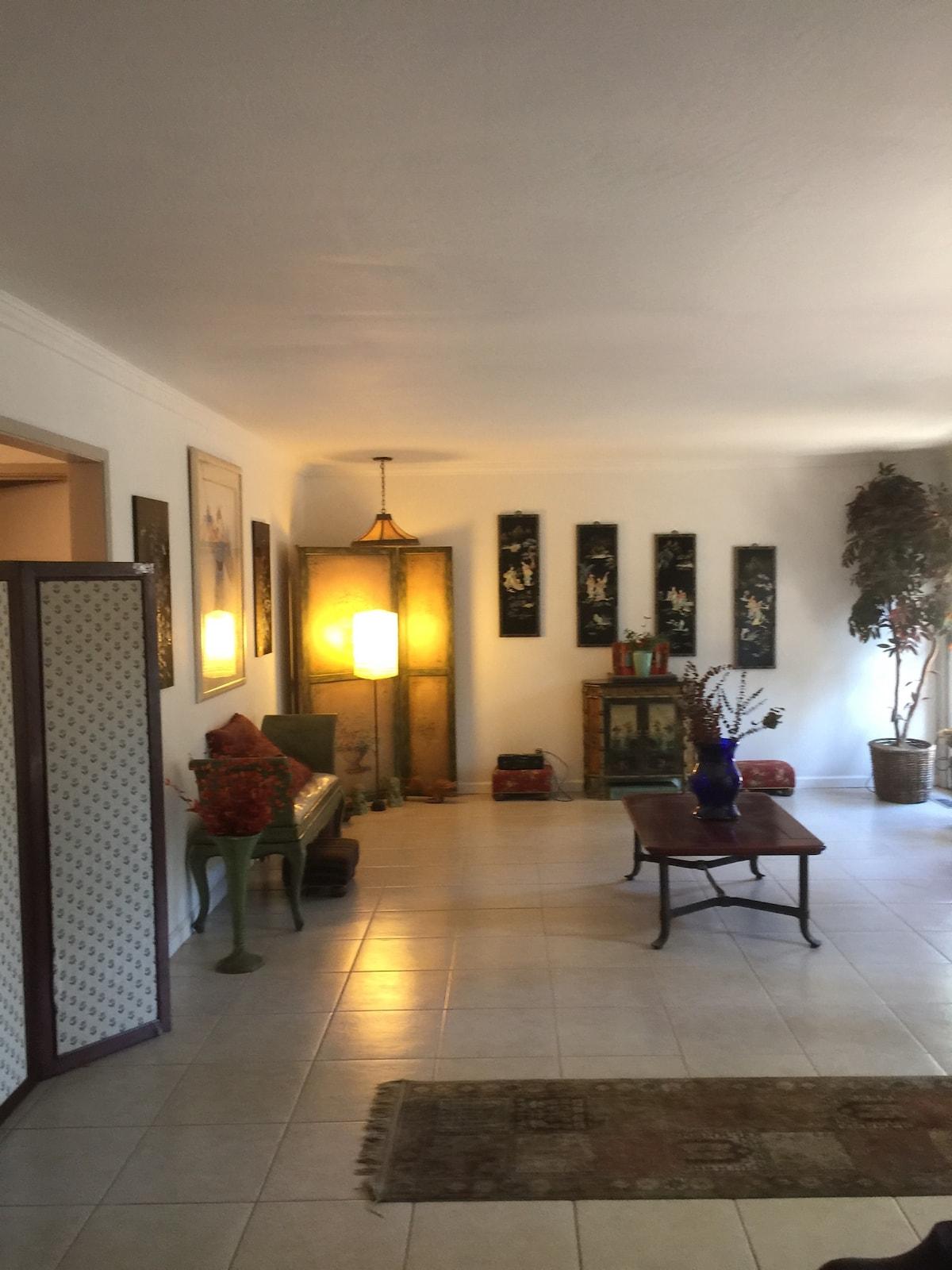 Private room&bath/separate entrance