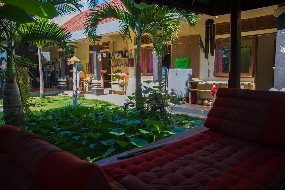 HomeStay Room 700m to Canggu beach