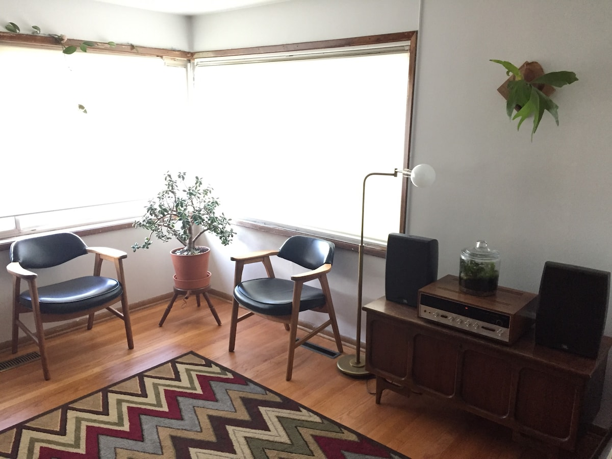 Beacon Hill 2br with Park Views
