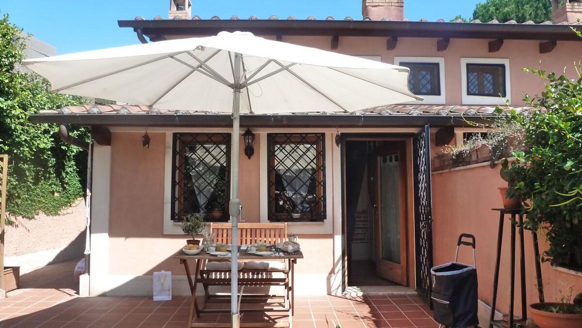 House with Garden - Appia Antica -