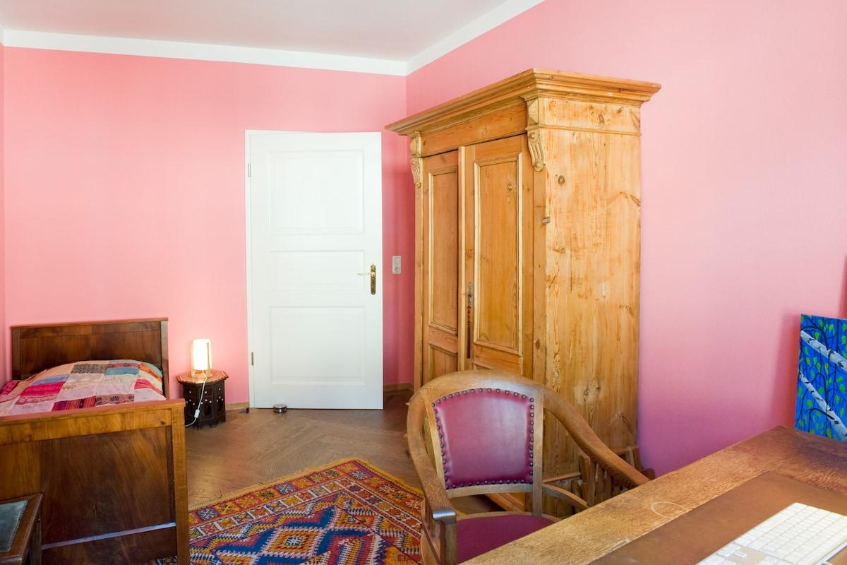 Gästezimmer / Room