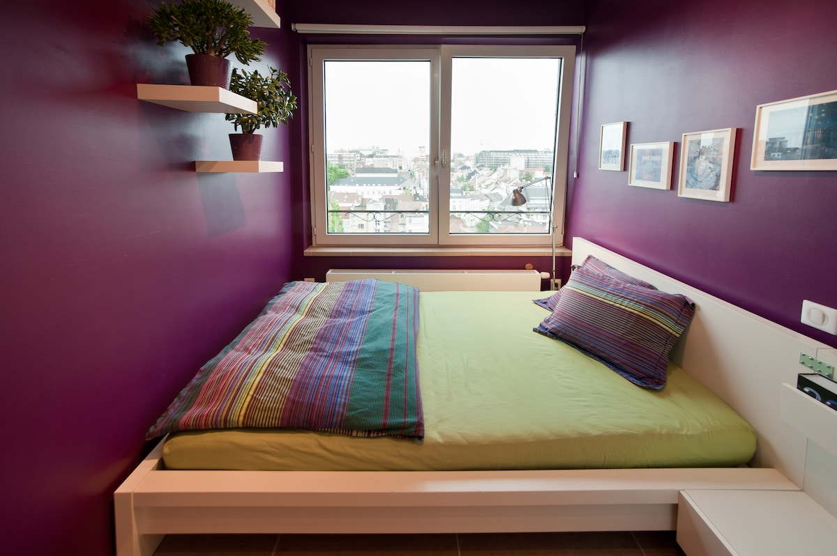 Our colourful and welcoming guest room