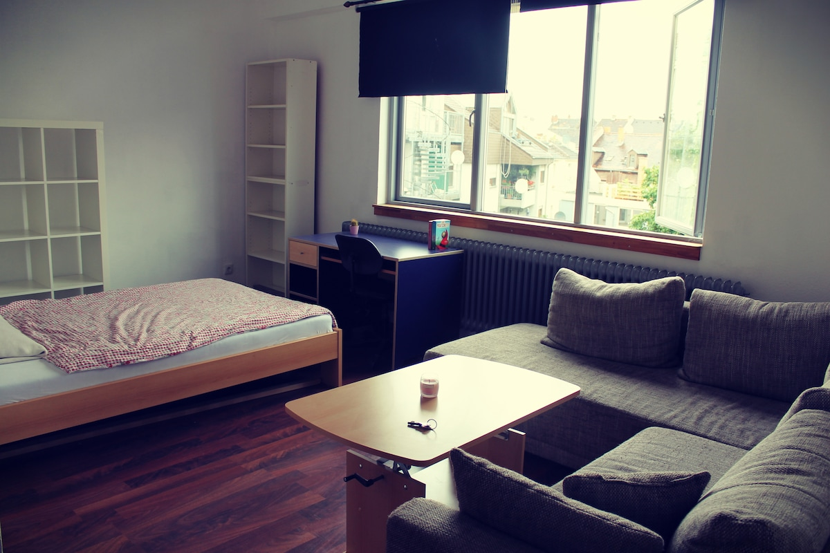 Simple & private room in Mannheim