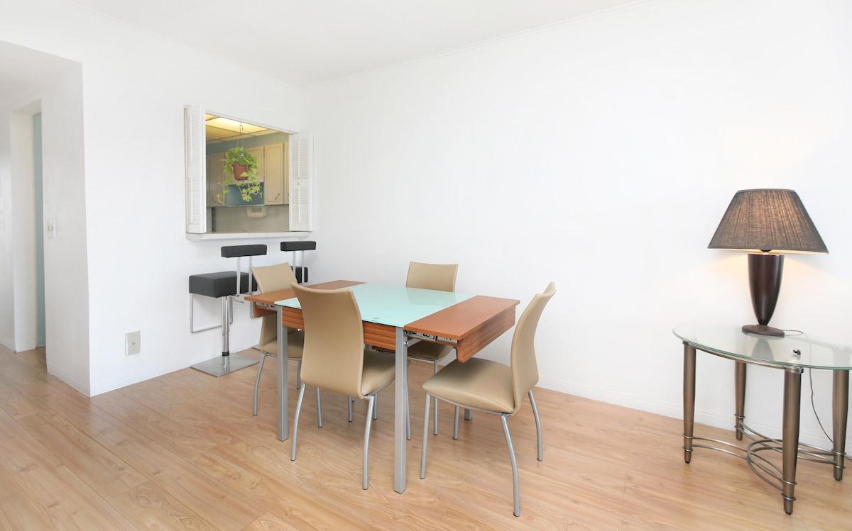 2/2 Clean- wood floors NEAR BEACHES