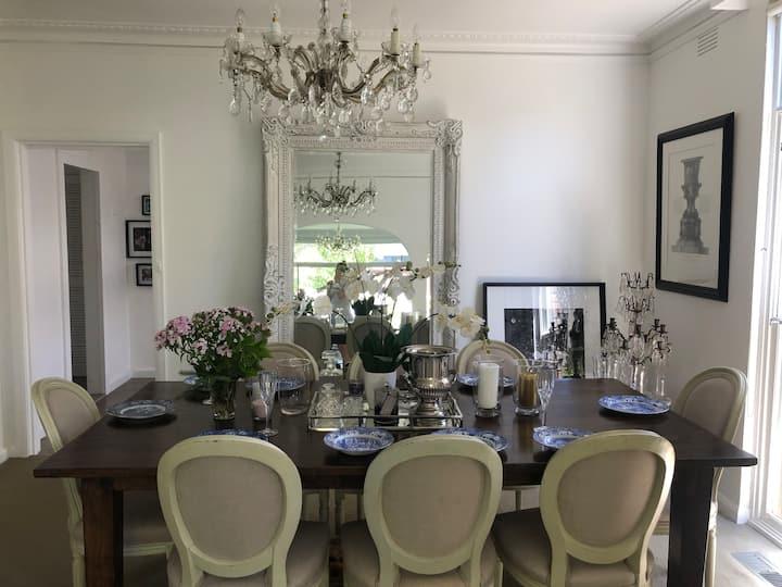 Elegant room in elite location - Armadale
